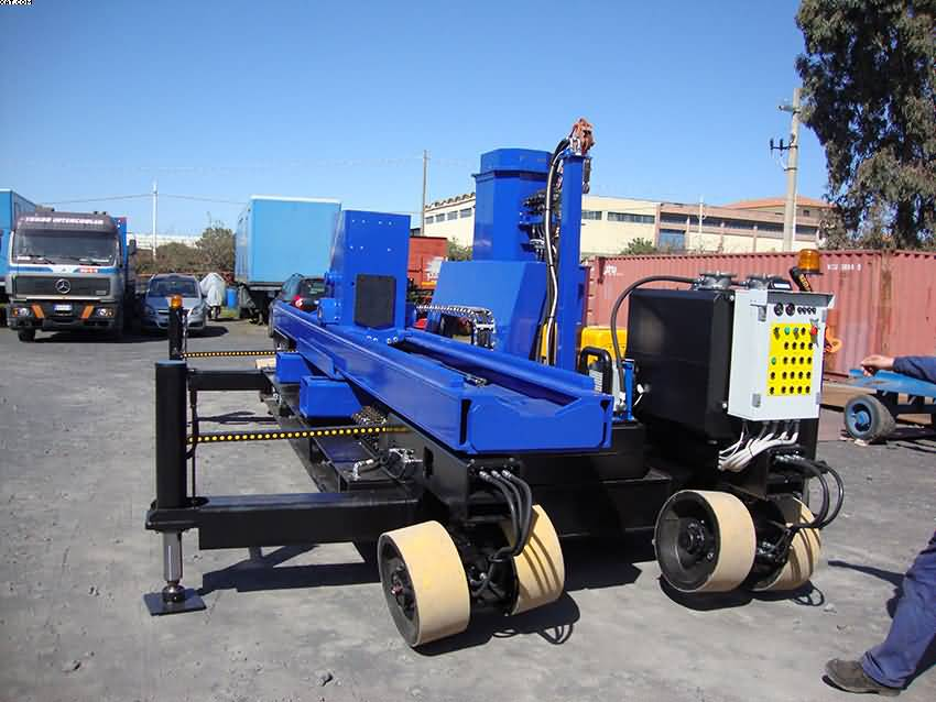 self_propelled_bundle_extractor
